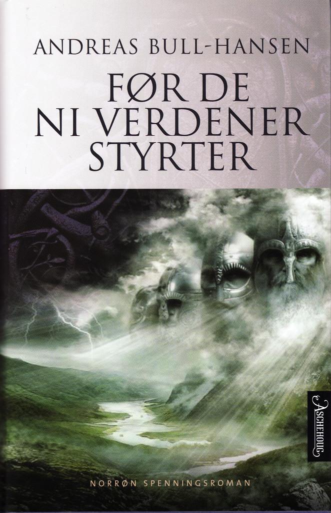 Før de ni verdener styrter : roman . 2